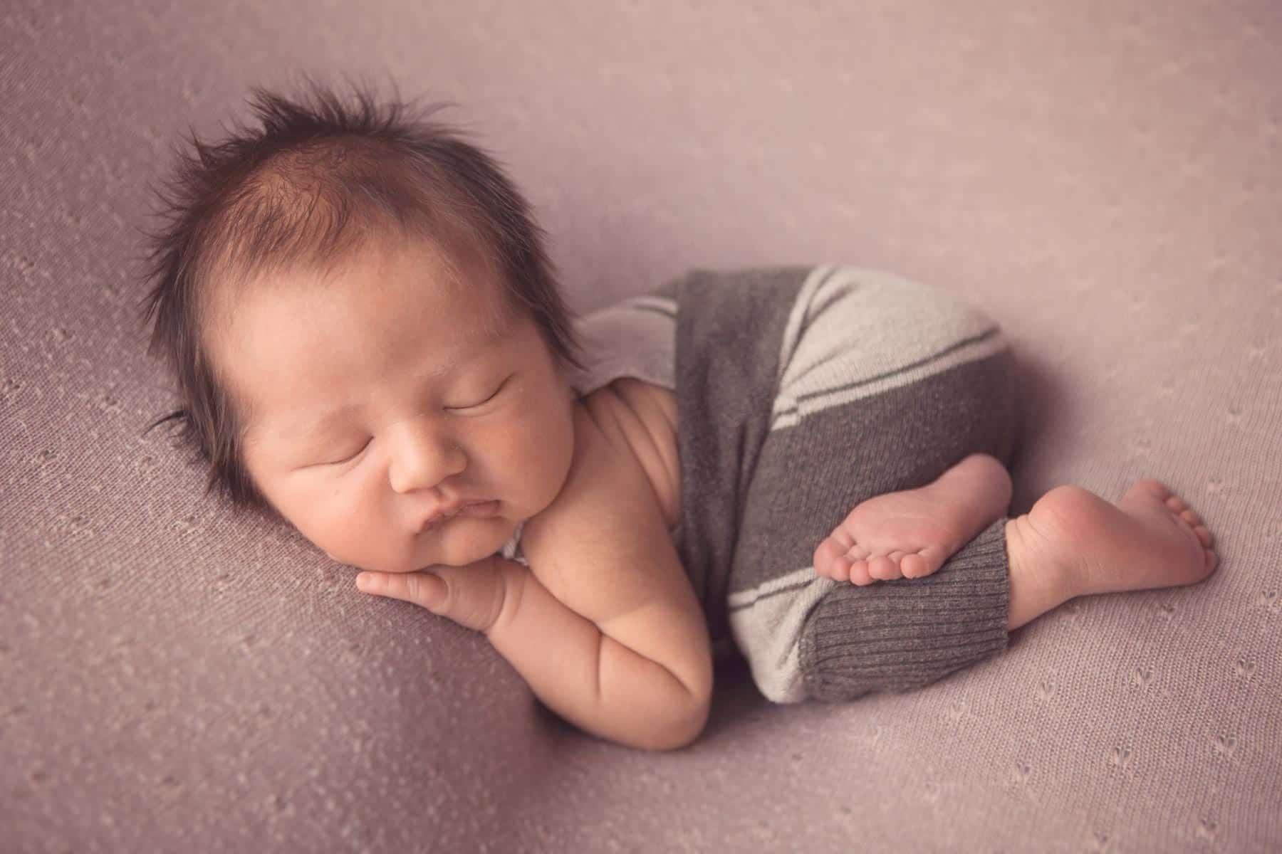 Newborn-Photography-Glasgow-South-Lanarkshire-Dawn Martin004