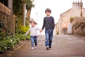 brother-sister-walking-glasgow